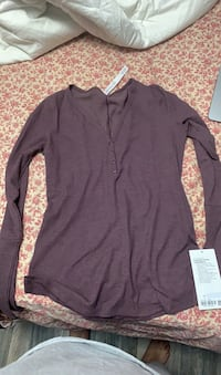 Lululemon Close Call long Sleeve Size L Mississauga, L4T 1V6