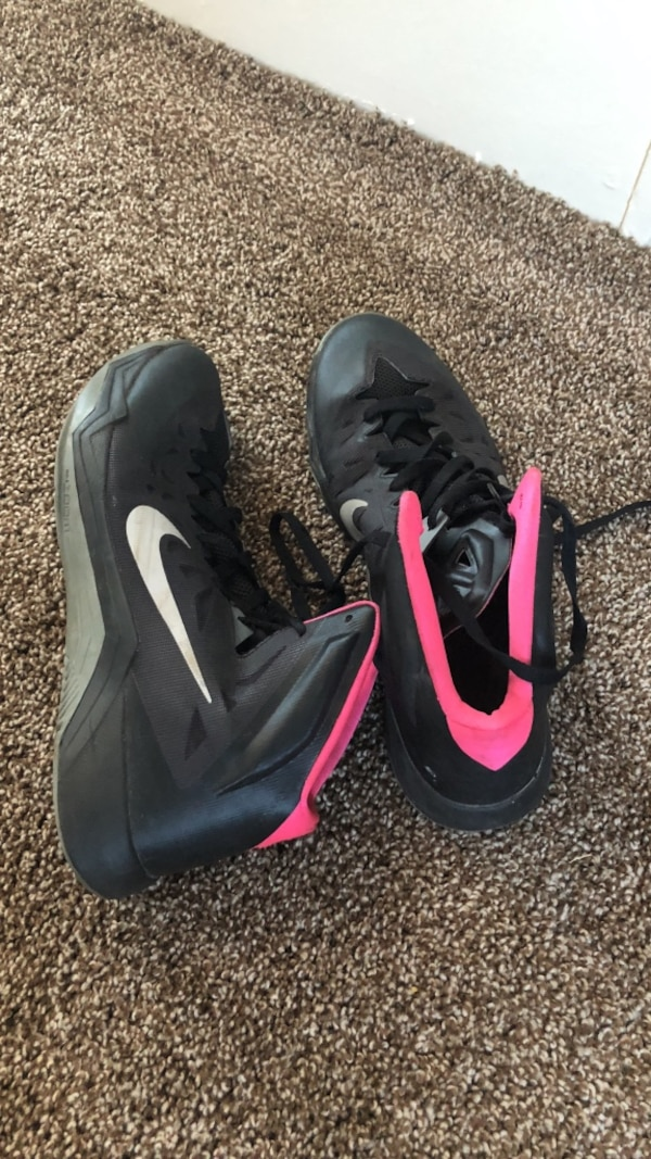 b87c97d17c9f Used pair of black Nike basketball shoes for sale in Mundy - letgo