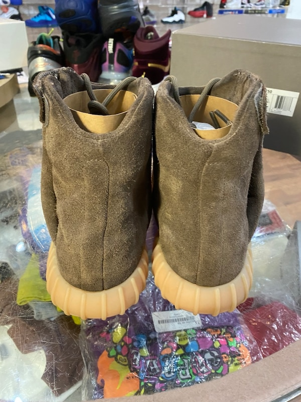 Chocolate Yeezy boost 750 size 9.5 4