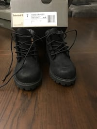 Pair of toddler size 7 black timberland boots with box Florissant, 63033