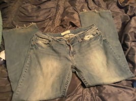 Womens maurices Jean's size 15/16 32