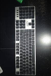 Mechanical keyboard. Great condition. Give best offer   Surrey, V4N 2R6
