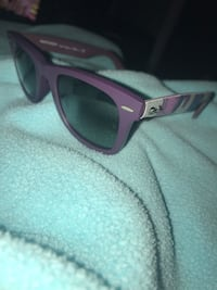 Purple framed ray-ban wayfarer sunglasses