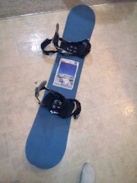 Forum snowboard. Like new with bindings. Surrey, V3W 1P2