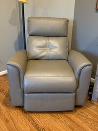 Leather Recliner  Centreville, 20121