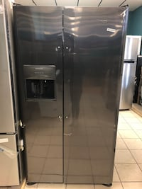 "Brand New 36"" Frigidaire 25.5 Cu Ft Side by Side Refrigerator (Scratch and Dent) Elkridge, 21075"