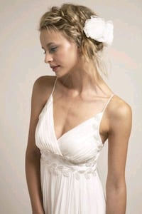 Wedding Dress Size 2 Saja Toronto, M5E