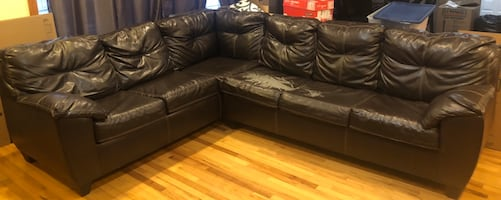 MAKE ME AN OFFER I CAN'T REFUSE!!Queen Sleeper Sofa Sectional
