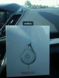 White apple beats with cord. New in the box Garner, 27529