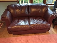 Burgundy leather couch Toronto, M9R 2R5