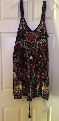 Black, red, and white floral dress Texarkana, 75503