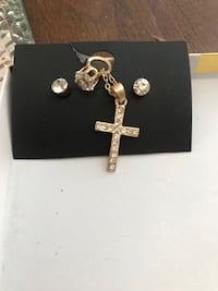 necklace cross and earrings North Las Vegas, 89032