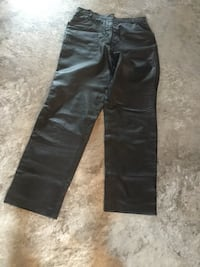 Brown leather pants ladies size 7 2200 km