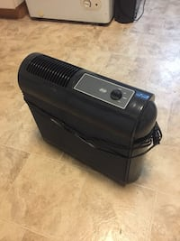 Hunter air purifier with 2 new filters