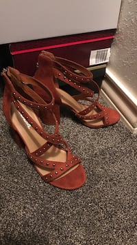pair of red leather open-toe heeled sandals Odessa, 79764