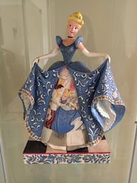 Cinderella figurine Disney Tradition collection Montréal, H1E 6S3