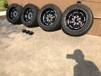 35/ 12.50 / 22 Fuel Forged rims on Toyo tires