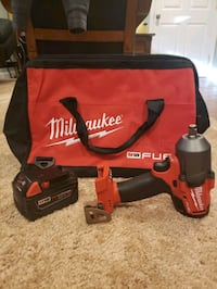 Milwaukee mid-torque impact wrench, 5.0AH battery and contractor bag Arlington, 22204