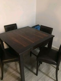 Dining room table and chairs  Houston, 77061
