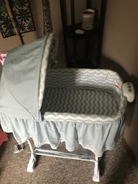Barely used bassinet  Cambridge, N1R 8C6