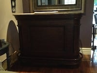 brown wooden 2-door cabinet Brampton, L6S 2R6