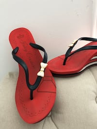 Juicy Couture Wedge Sandals 9