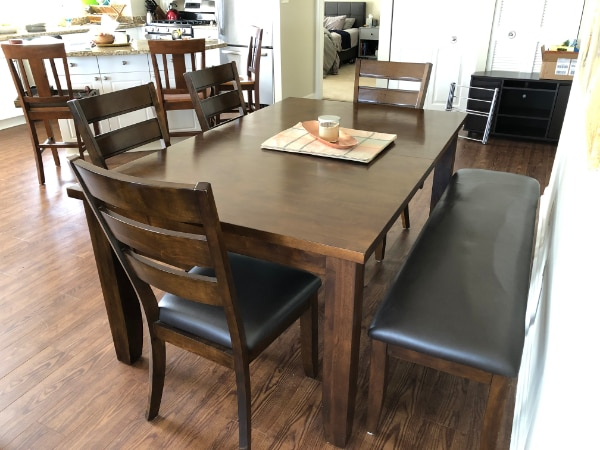 Beautiful wood kitchen table and chairs - Seats 6-8 15c0ee15-e5fd-4b69-83e8-f7b01b53112f