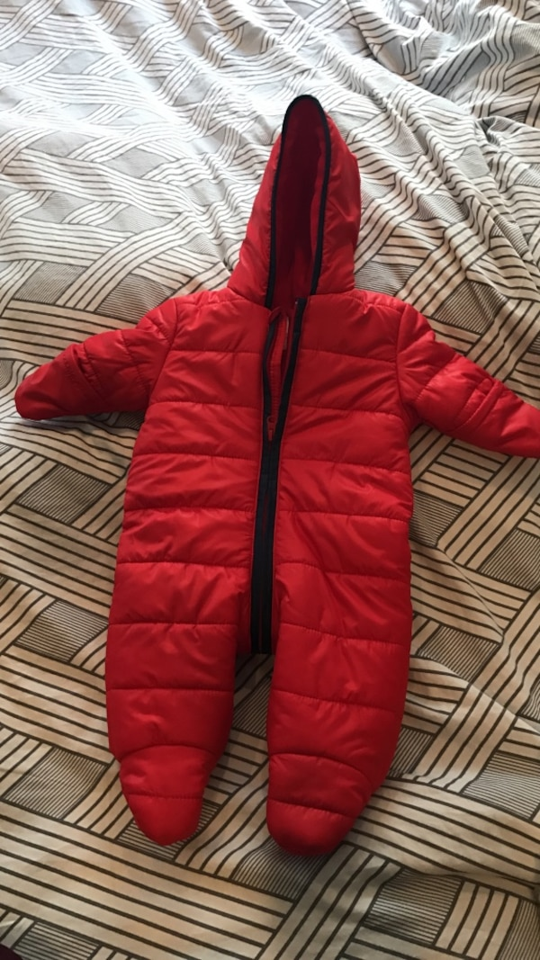 37c9b514a Used Brand New Old Navy Snowsuit 0-3m for sale in Toronto - letgo