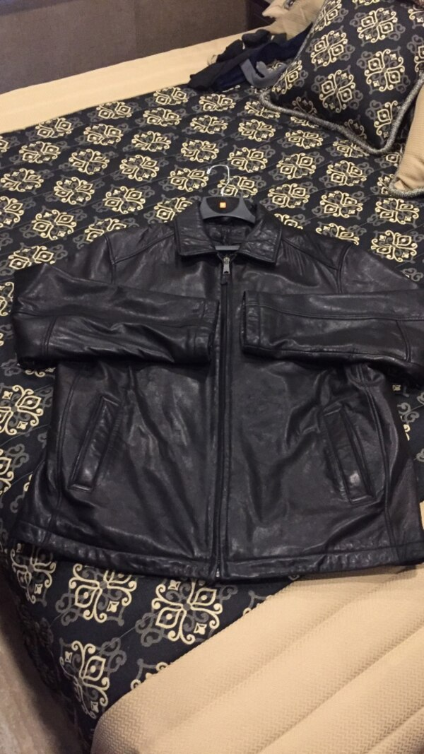 Used Men S Soft Leather Jacket New Size Large Paid 200 For Sale