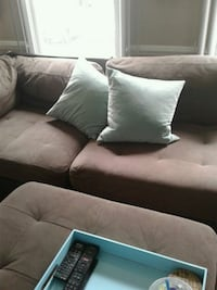Couch loveseat and ottoman Woodbridge, 22192