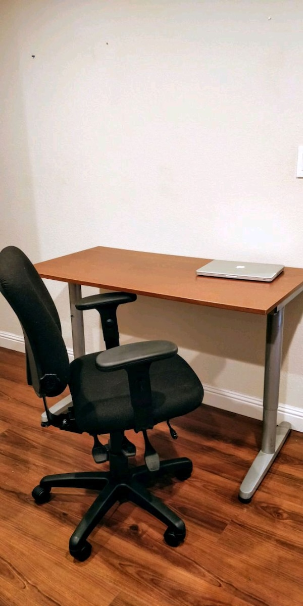 Used Study Table With Chair For Sale In San Jose Letgo