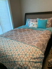 Full size comforter pillows and curtains Ankeny, 50023