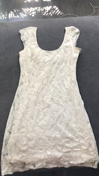 white floral scoop-neck sleeveless dress New Westminster, V3M 5C9