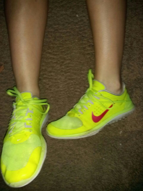 2c42def47cc2 Used Neon Nike free run shoes for sale in Gadsden - letgo
