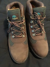 Pair of brown-and-Forrest green timberlands Newport News, 23601