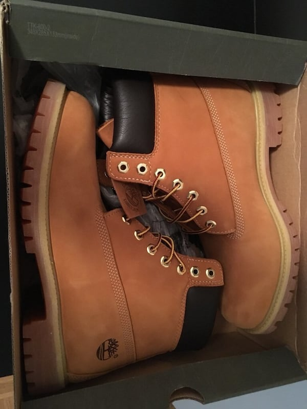 Selling DS Timberlands size 11 b421f108-3fbe-451c-af31-f12a9e72e0e8