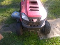 red and black Craftsman ride on mower 1369 mi