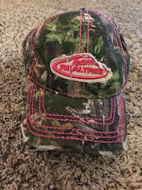 green and red Supreme cap Pasco, 99301