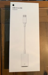 USB-C to USB adapter St Catharines, L2M 1T9