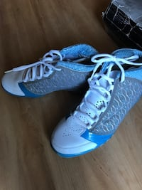 White and blue lace up low top sneakers Los Angeles, 90011