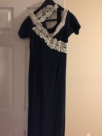 Navy blue evening dress white pearls Windsor, N8R 2E6