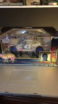 New unopened Nascar grey 43 racing car toy