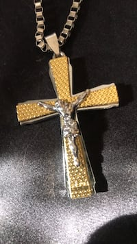 Gold-colored cross pendant Virginia Beach, 23451