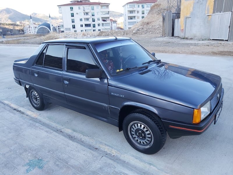 1991 Renault 9 5c639090-6a43-4ae0-97f6-72288091be11