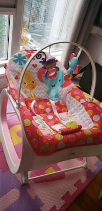 baby's pink and white bouncer Toronto, M5B 1T6
