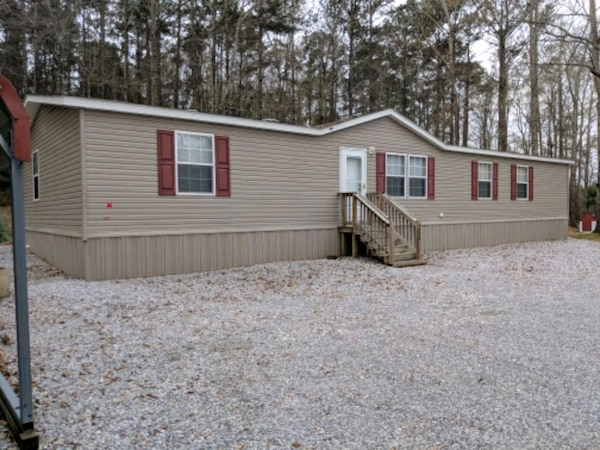 Manufactured HouseFor Sale 4+BR 2BA 2011 28x68