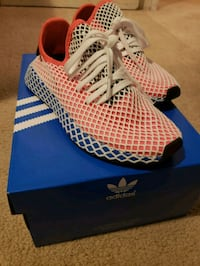 Womens adidas deerupt runner size 5m Joint Base Andrews, 20762