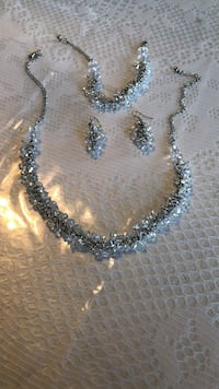 Silver-colored beaded necklace brand new Ottawa, K1C 7S2