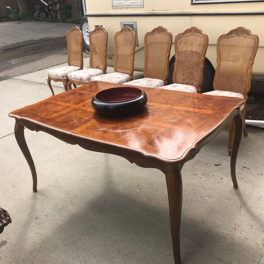Dining Table Six Chairs Two leafs was $325 0699ff44-feb9-40b9-9d08-036abd43a5f5