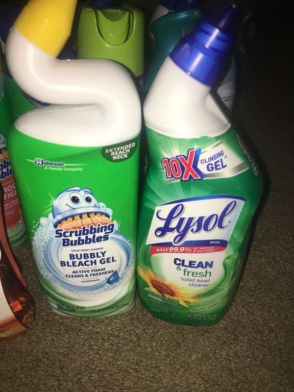 Assorted household cleaning products lot 79f35c21-4b86-4adb-8b36-334d4a49e540